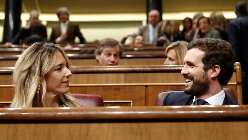 Pablo Casado y Cayetana Álvarez de Toledo en el Congreso