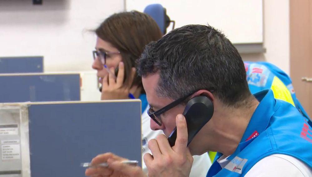 Imagen del 112 atendiendo llamadas telefónicas