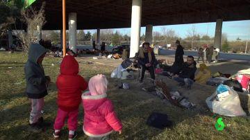 Imagen de migrantes en la frontera entre Turquía y Grecia