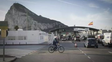 Imagen de archivo de frontera de Gilbraltar.