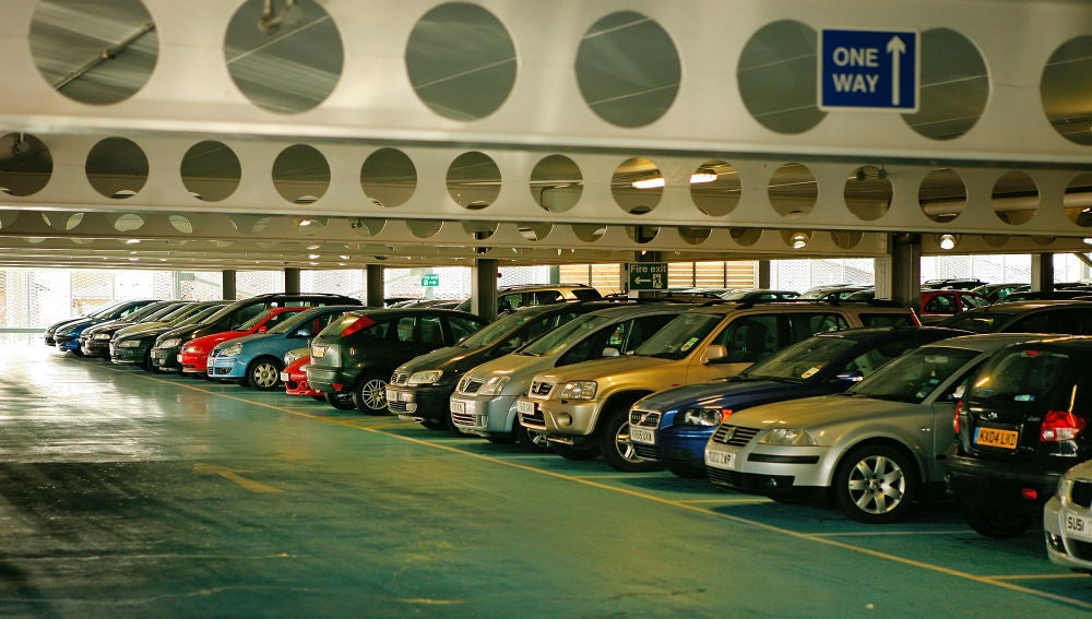 Coches en parking