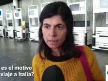 Una mujer viaja a Italia