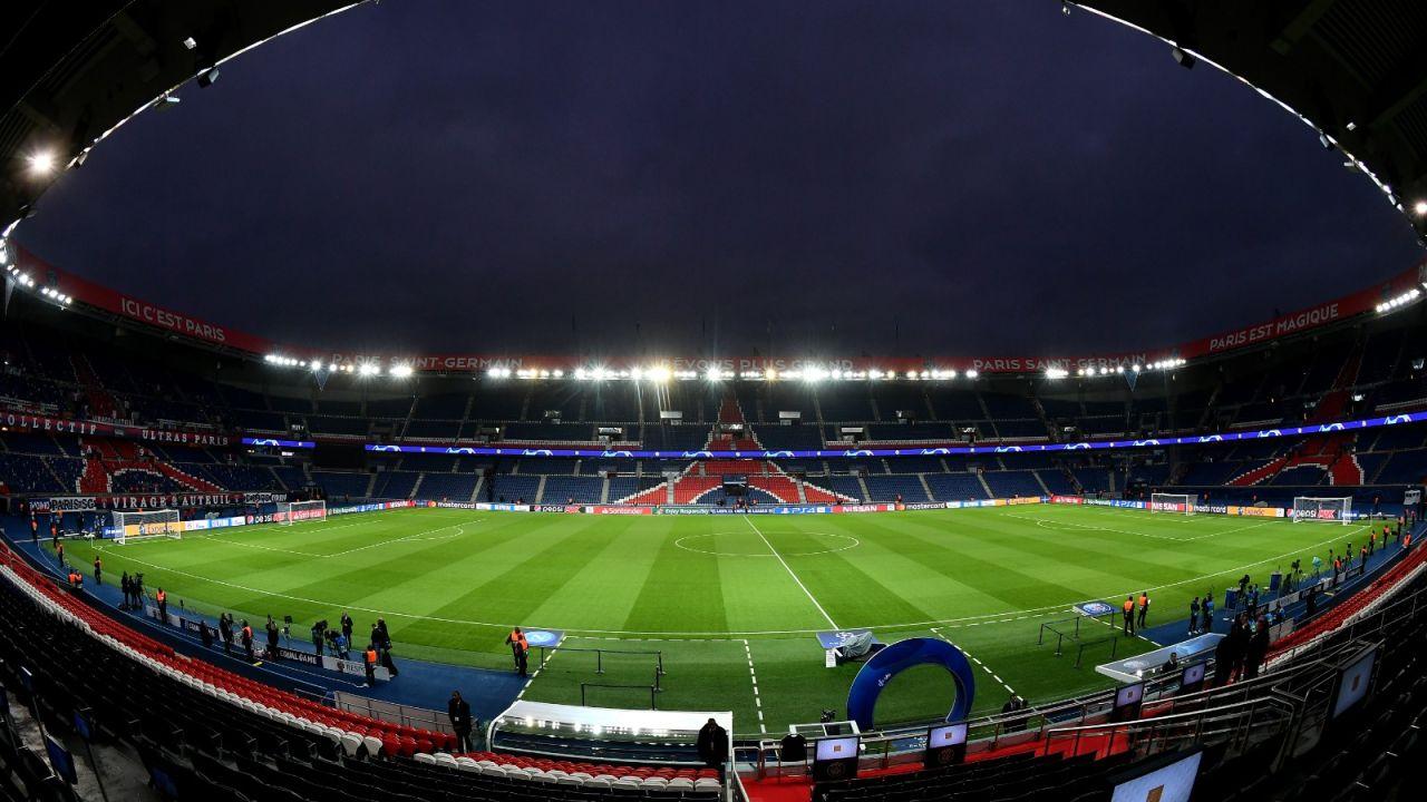 Ligue 1 podría reabrir sus estadios en un mes, adelantó la ministra de deportes de Francia