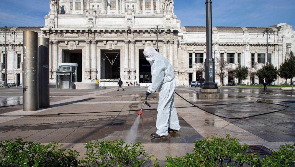 Siguen bajando las muertes por coronavirus en Italia, pero no los infectados
