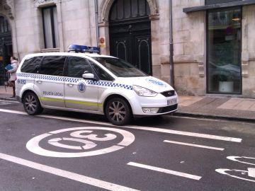 Imagen de archivo de un coche de la Policía Local de Vitoria
