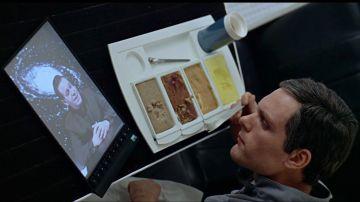 En 'Una odisea en el espacio' (1968) los tripulantes usaban una especia de tableta electrónica