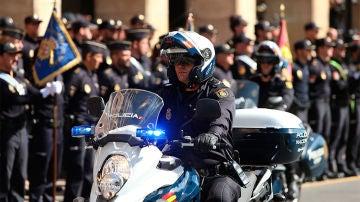 Policía Nacional en motocicleta