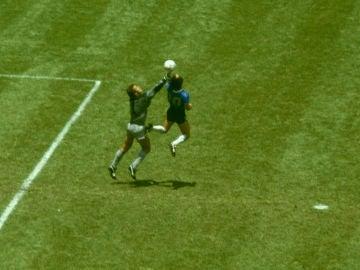'El gol de Dios' de Maradona frente a Inglaterra en México'86
