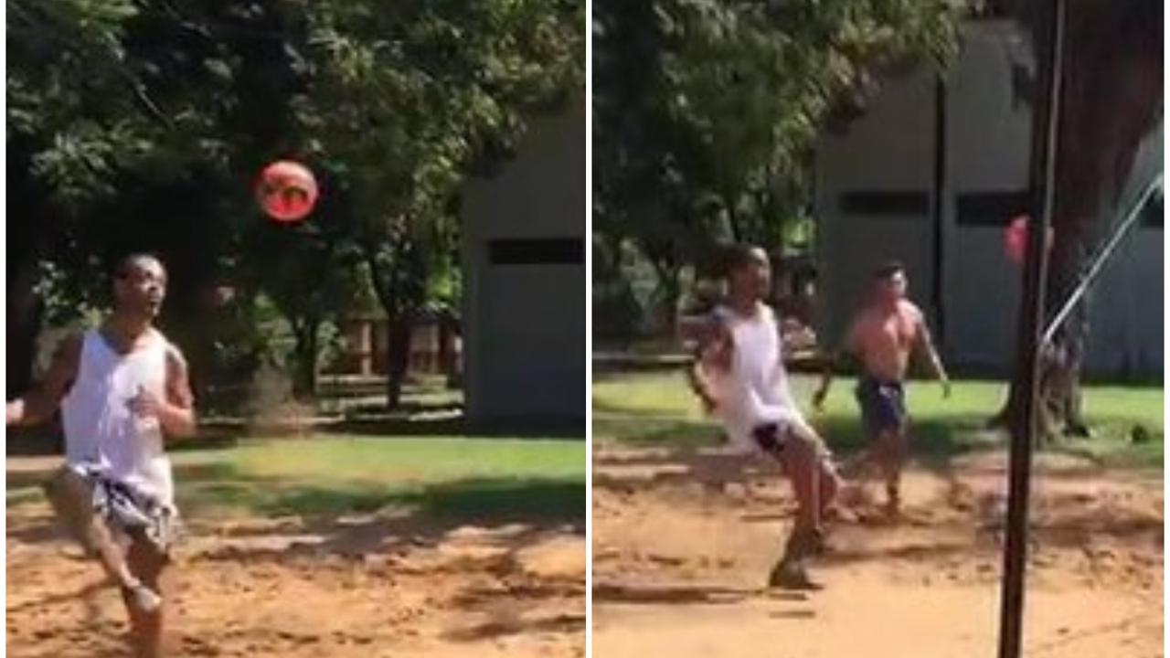 Ronaldinho, en un partido de futvoley