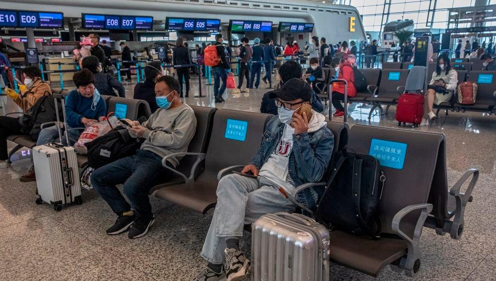 China levanta la cuarentena en Wuhan