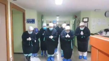 Sanitarios de Albacete agradecen a Iniesta su donación