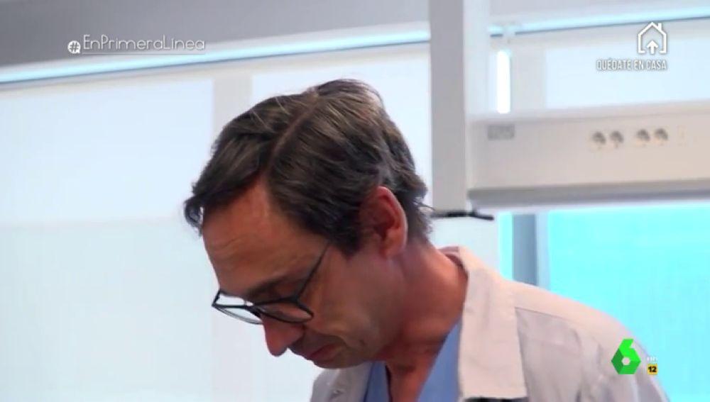medico llora