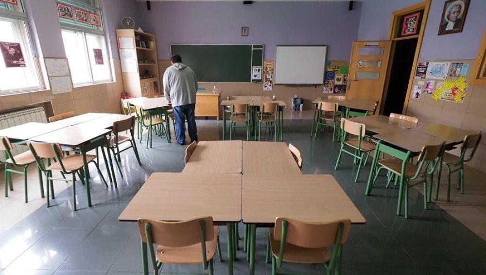 Aula vacía en un colegio de Valladolid