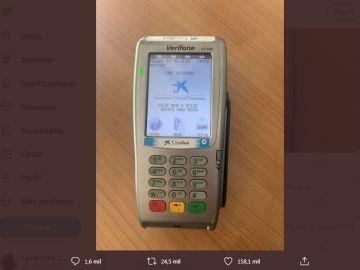 La imagen del datáfono que el joven compartió en redes sociales.