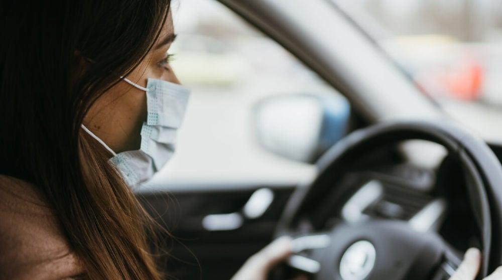 Guía para viajar en coche en la fase 1: ¿Cuántos ocupantes pueden ir?¿Es necesario el uso de mascarillas?