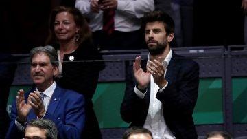 Gerard Piqué presenciando la Copa Davis