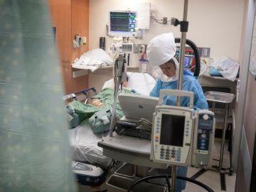 Paciente con coronavirus en Cuidados Intensivos