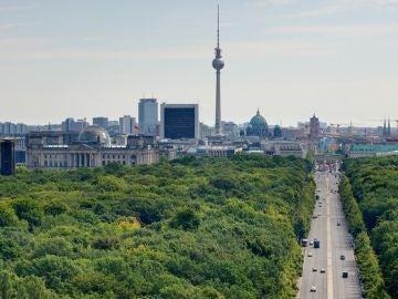 Vista desde la Siegessäule al Tiergarten y al centro de la ciudad Dirección torre de televisión