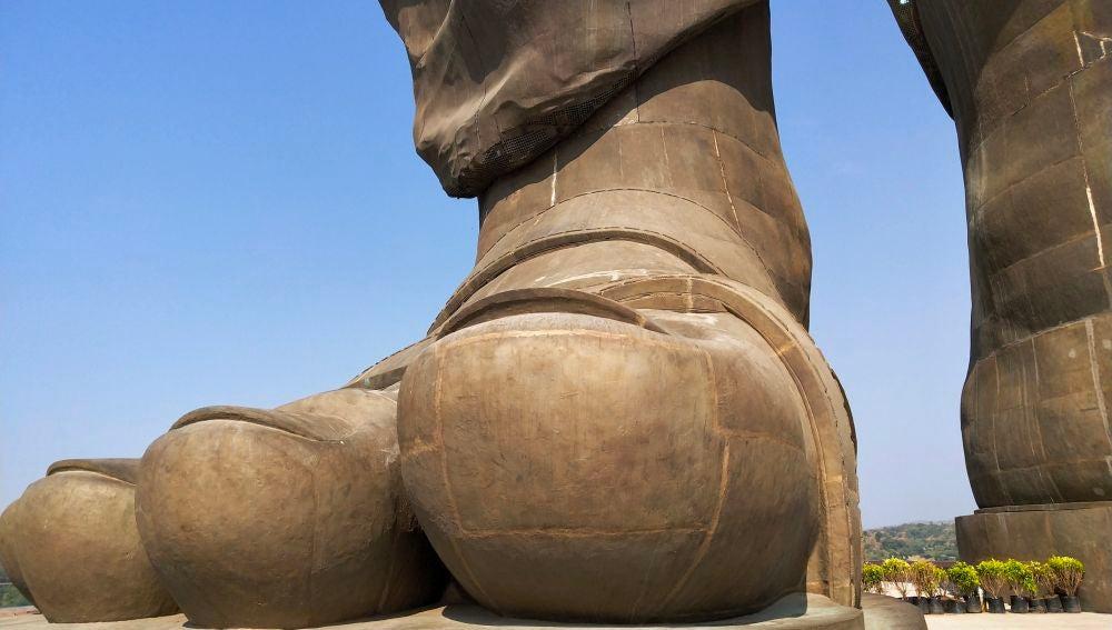 Detalle Estatua de la Unidad