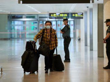 Llegada de pasajeros al aeropuerto de Barcelona