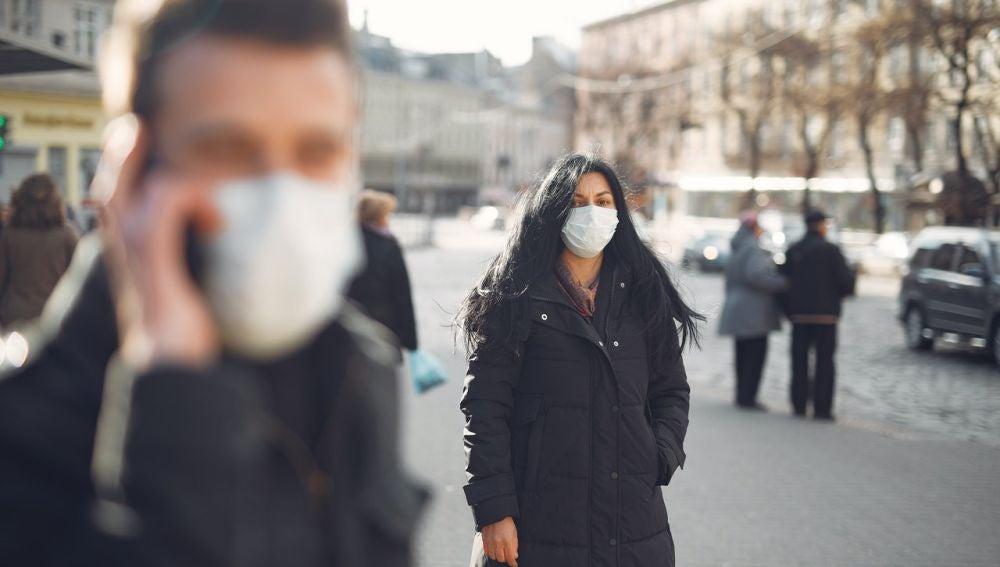 El riesgo de contagio en exteriores es mucho más bajo que espacio sinteriores