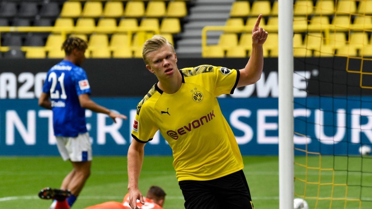 Haaland celebra un gol ante el Schalke