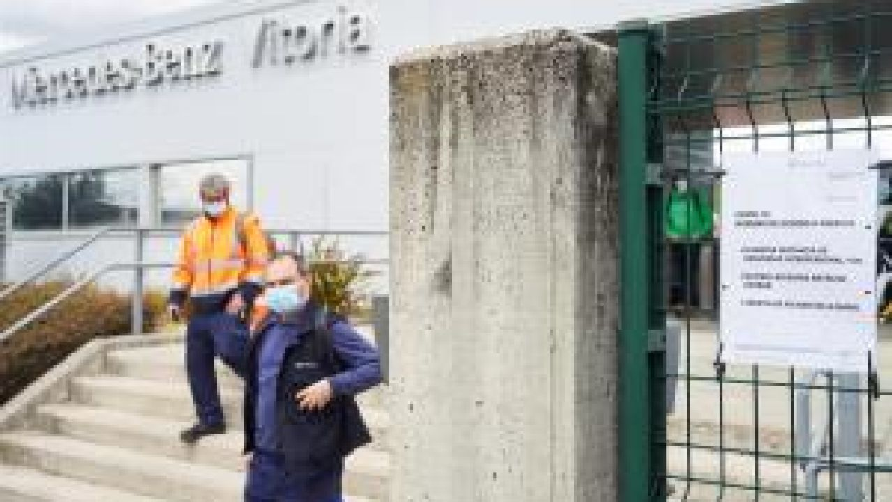 Mercedes-Benz retoma los tres turnos en la planta de Vitoria
