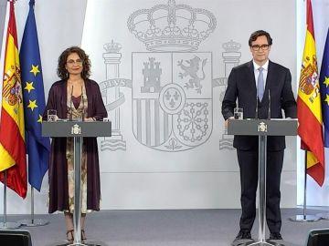 La ministra portavoz, Maria Jesús Montero, y el ministro de Sanidad, Salvador Illa