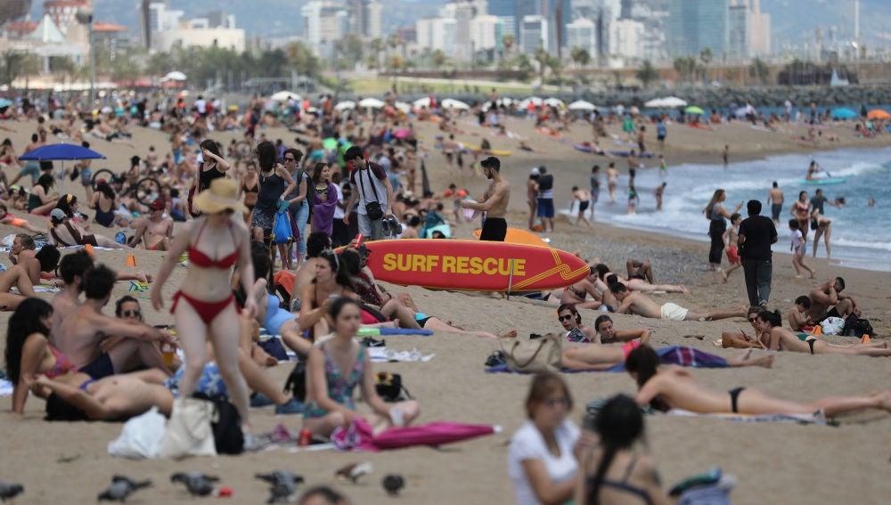 Imagen de una de las playas de Barcelona este sábado