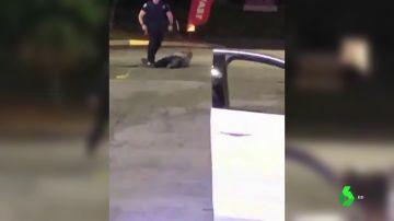 Dimite la jefa de Policía de Atlanta después de que un agente matase a otro joven negro