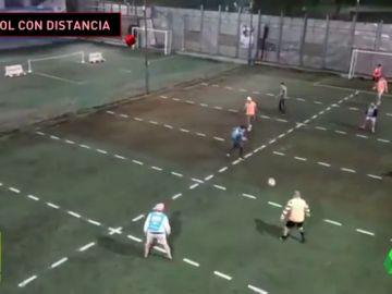 Fútbol distancia social