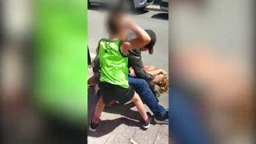 """Salvaje agresión machista a puñetazos y cuchilladas ante su hijo menor: """"¿Qué juras tu?"""""""