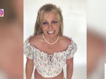 """La actitud 'nerviosa' de Britney Spears contestando a sus fans que sorprende a los zapeadores: """"Se ha quedado 'cucu'"""""""