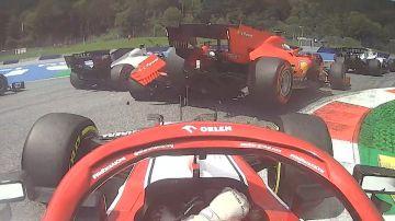 Raikkonen ve en primera línea el toque de los Ferrari