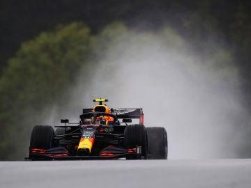 Alexander Albon no pudo seguir los pasos de Verstappen