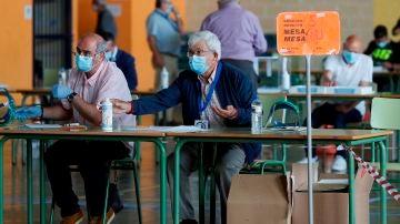 Mesa electoral en Burela, Lugo