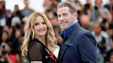 Kelly Preston junto a su esposo John Travolta