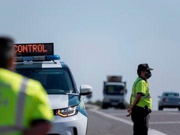 Consejos para conducir con altas temperaturas y huir de las multas este verano