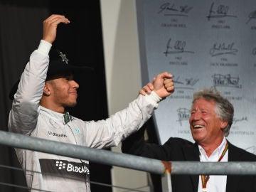 Lewis Hamilton y Mario Andretti