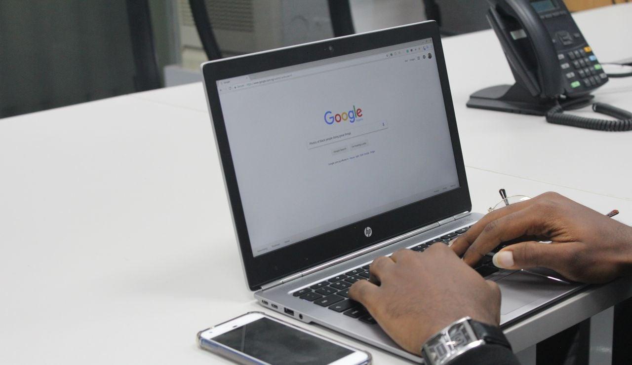 Búsqueda de Google en el ordenador y en el móvil