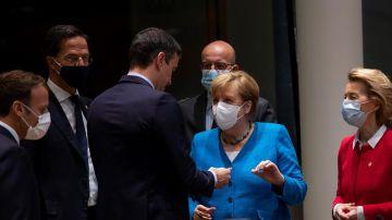 Imagen de Sánchez con Merkel en el Consejo Europeo