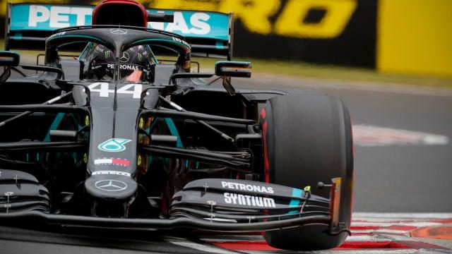 Lewis Hamilton coge carrerilla