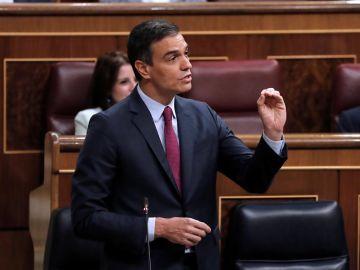 El presidente del Gobierno, Pedro Sánchez, durante su intervención en la sesión de control al Ejecutivo.