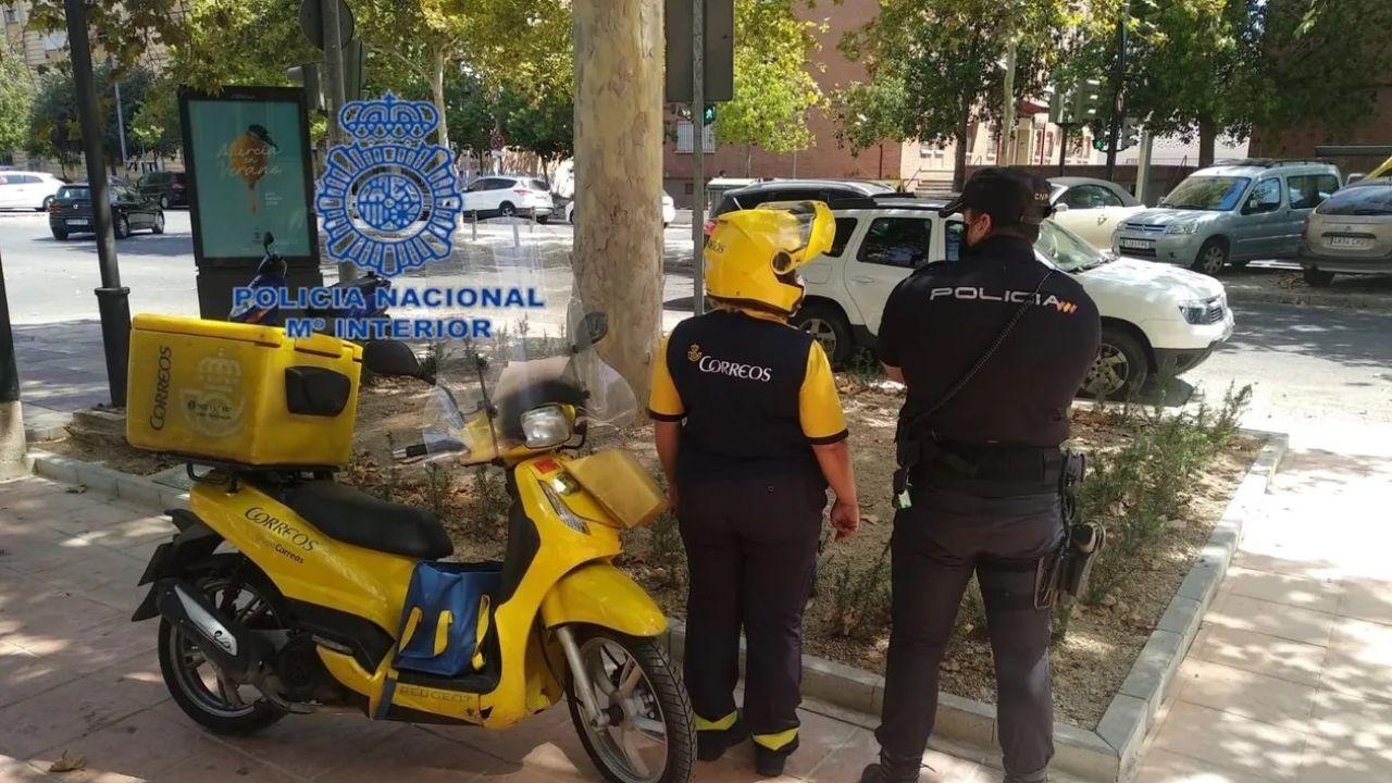 Repartidor y agente de Policía