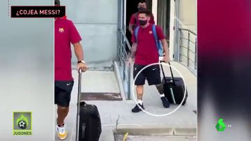 Messi cojea en su llegada a Lisboa y mantiene en vilo a los culés