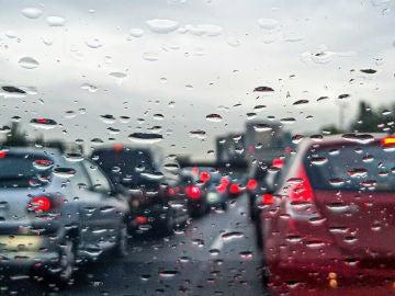 Tormentas de verano: consejos para mantener el control al volante