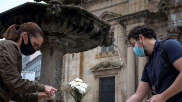 Homenaje cívico en memoria de las víctimas de la pandemia, celebrado en la residencia San Carlos de Celanova