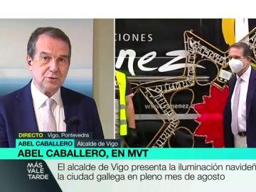 Abel Caballero, alcalde de Vigo, ya ha presentado la iluminación navideña en pleno agosto.