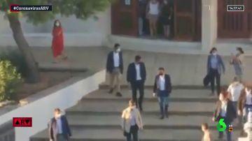 """""""¡Fuera!"""": Pedro Sánchez, abucheado a la salida de una misa funeral en Matalascañas"""