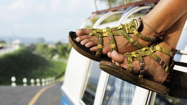 Conducir con calzado incorrecto puede suponer una sanción de 80€